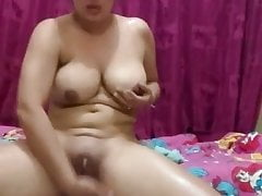 Desi MILF oiling and..