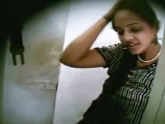 Indian College Chick Sex In..